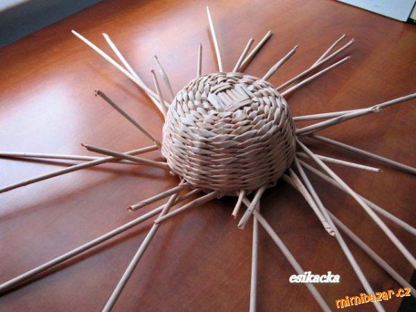 Как сплести шляпку из газетных трубочек. Мастер-класс (18) (600x450, 205Kb)
