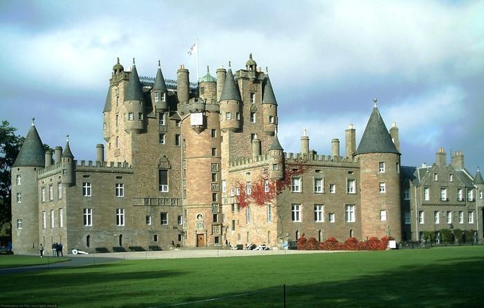 1. Замок Глэмис (700x445, 352Kb)