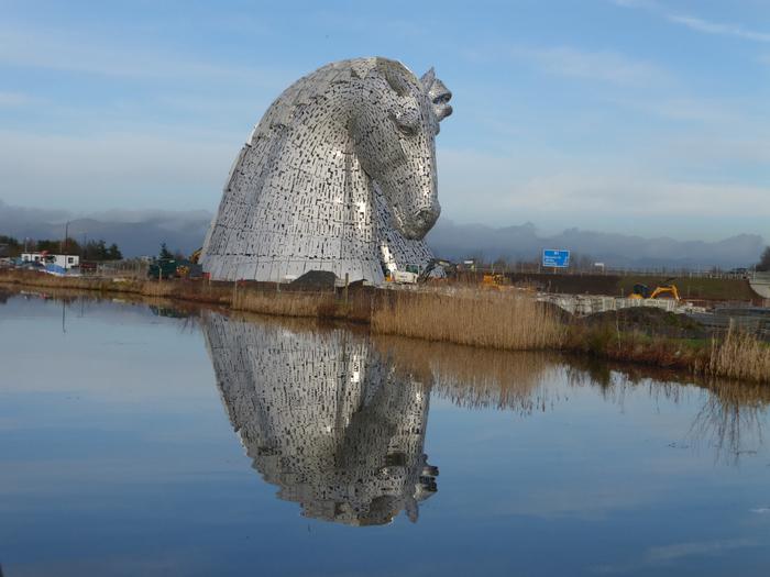 скульптуры лошадей в парке Helix 3 (700x525, 343Kb)