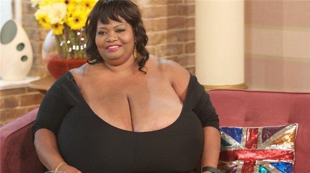Гигантские женские груди фото 241-846