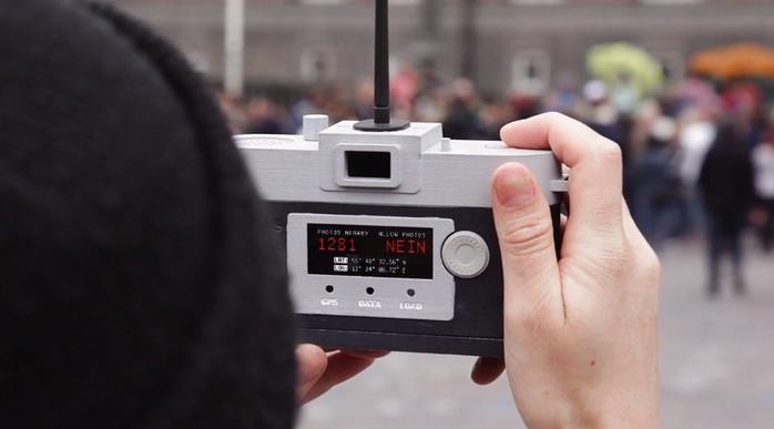фотоаппарат Camera Restricta 3 (700x387, 184Kb)