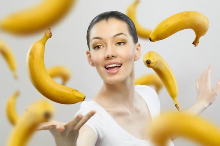 бананы девушка (700x465, 219Kb)