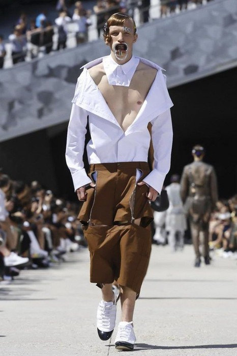 126300063 111915 1330 HoodbyAir3 Hood by Air в Париже: Мужская мода от американского короля ЛГБТ сообщества