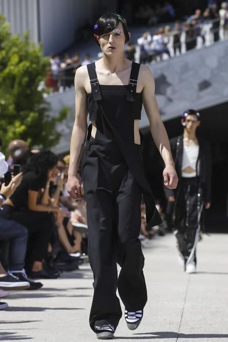 126300067 111915 1330 HoodbyAir7 Hood by Air в Париже: Мужская мода от американского короля ЛГБТ сообщества