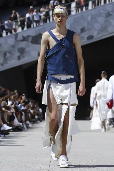 126300081 111915 1330 HoodbyAir14 Hood by Air в Париже: Мужская мода от американского короля ЛГБТ сообщества