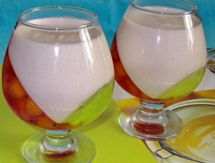 Картинки по запросу Творожно-йогуртовое желе с фруктами/ягодами