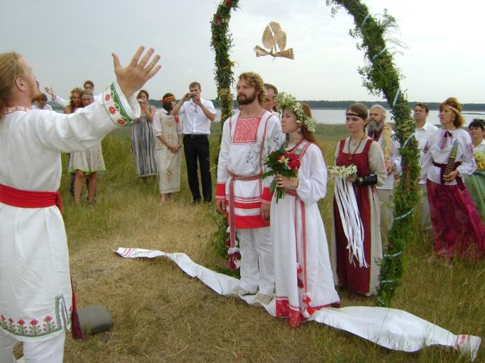 свадьба по слав.обычаю (700x524, 384Kb)