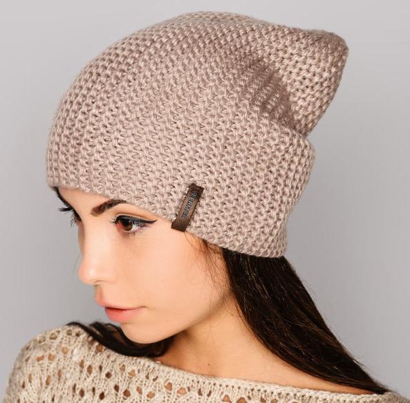 Женские шапки вязаные спицами 112 фотографий