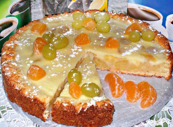 Песочный пирог с виноградной начинкой