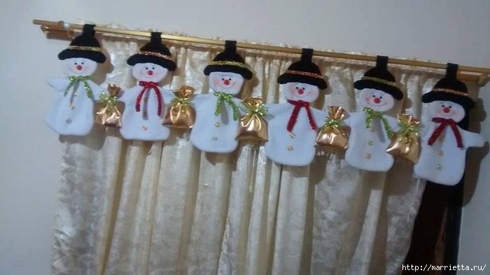 Текстильная подвеска из снеговиков (1) (700x393, 164Kb)