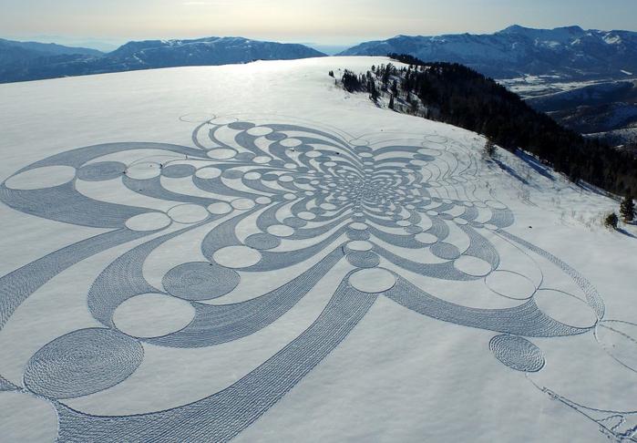 Саймон Бек рисунки на снегу 12 (700x486, 366Kb)