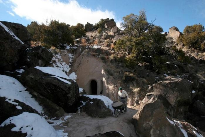 esculpidas à caverna-2 (700x467, 223kb)