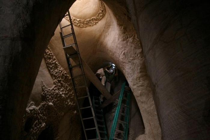 esculpidas à caverna-6 (700x467, 176KB)