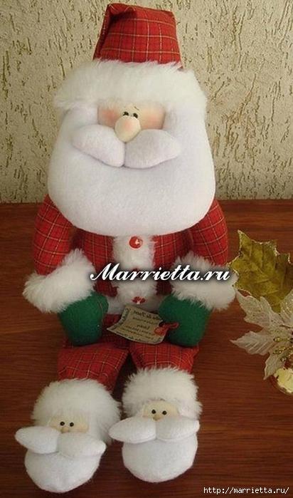 Санта Клаус в прикольных тапочках. Выкройка игрушки (1) (412x700, 209Kb)