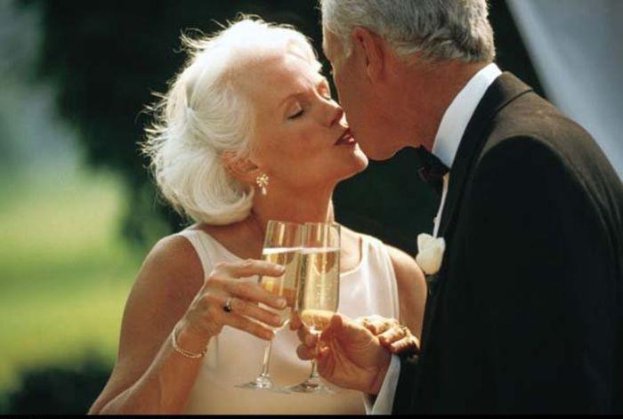3416556_weddingdressesforolderbrides_7 (700x471, 35Kb)