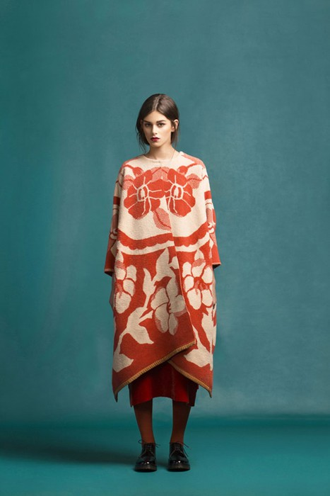 126583203 120315 2156 9 Эстонский дизайнер создаёт пальто из старых советских одеял