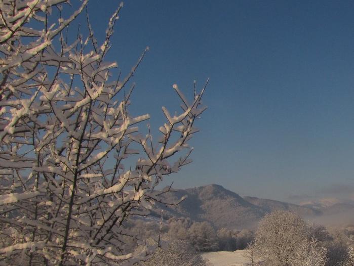 снег (1) (700x526, 342Kb)