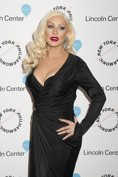 christina_aguilera_8u_black_4 (467x700, 201Kb)