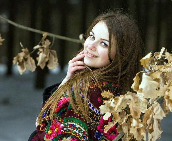 История фото русской красавицы с платком секс фото фото 258-863