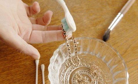 Как в домашних условиях почистить бижутерию
