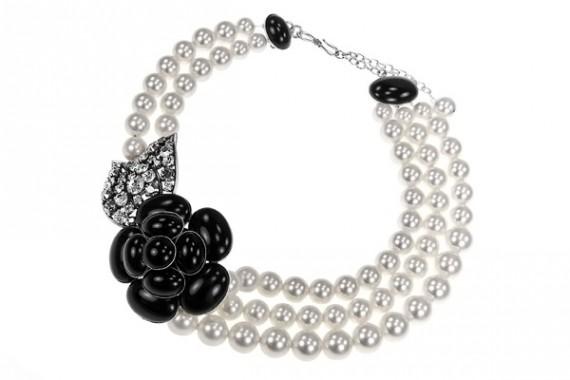 Ожерелье из жемчуга от Филиппа Феррандиса/5969708_BijouxfantaisiePhilippeFerrandiscollierperlesnacrefouquetnoirA211570x380 (570x380, 28Kb)