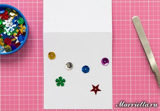 Идеи новогодних открыток и тегов из пуговиц и пайеток (3) (553x385, 183Kb)