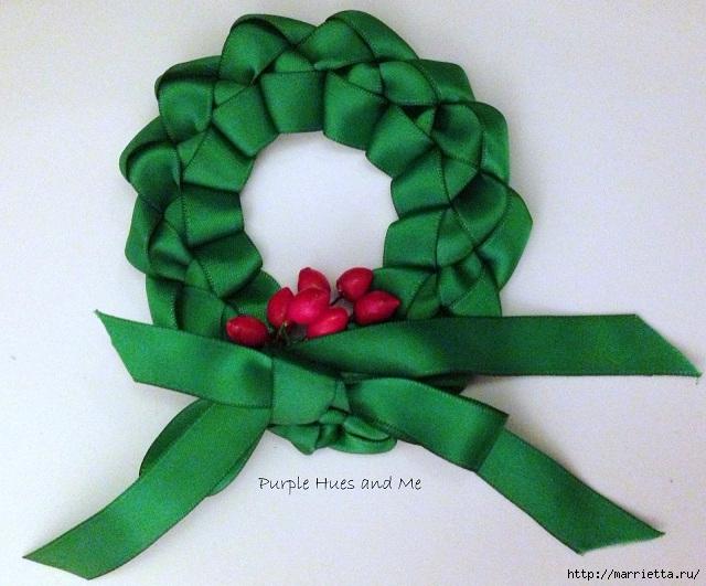 Плетение рождественского венка из ленточек. Идея для открытки (19) (640x531, 233Kb)