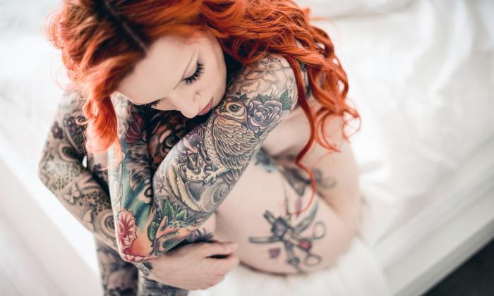 Красотки с татуировками 18+ (34 фото)