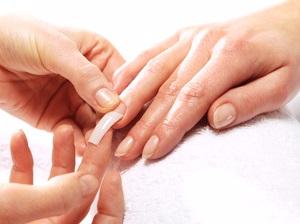 Что надо знать перед тем как нарастить ногти (5) (300x224, 70Kb)