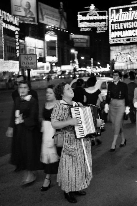 5187787__douard_Boubat_Times_Square_NYC_1953 (465x700, 87Kb)