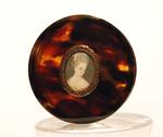 Превью Poudrier-en-ecaille-et-miniature-sur-ivoire (369x310, 101Kb)