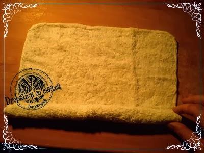 Собачка из полотенца. Как сделать подарок для новорожденного (6) (400x300, 133Kb)