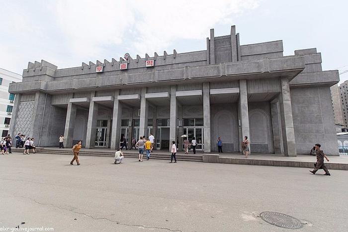 метро в пхеньяне фото 1 (700x466, 265Kb)