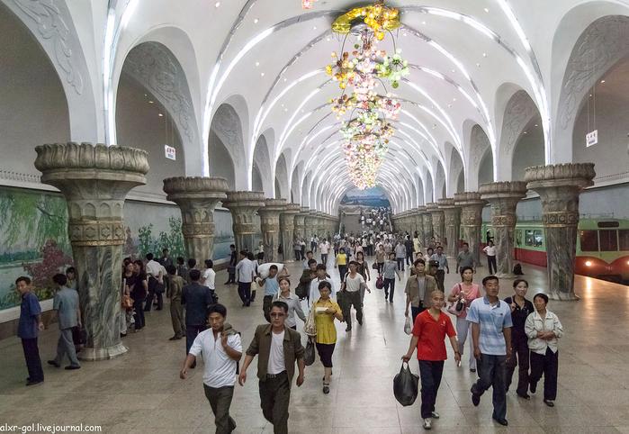 метро в пхеньяне фото 14 (700x482, 395Kb)