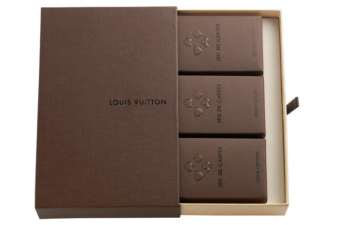 Louis-Vuitton-Jeux-3-Cartes_01 (700x464, 73Kb)