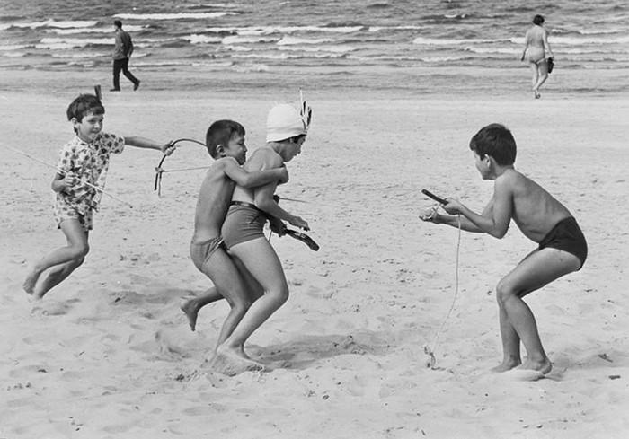 Лучшие дворовые игры советского детства, которые сегодня почти забыты