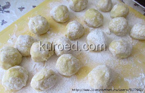 Картофляники с зеленым луком, пошаговое приготовление - пирожки залепить, придав им форму  шариков/5177462_kartoflianiki_s_zelenim_lukom_006 (500x322, 89Kb)