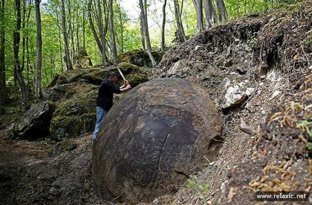stone-ball_00004 (640x421, 316Kb)