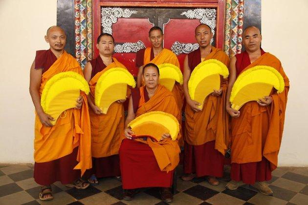 монахи тибет (630x420, 247Kb)