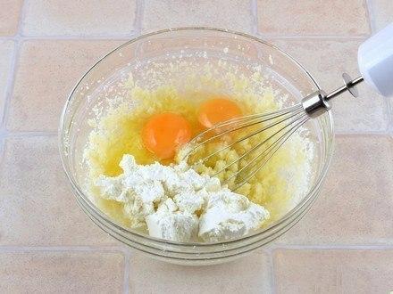 Простые поделки из яиц
