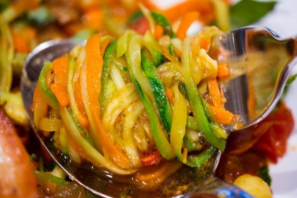Как приготовить филе рыбы с овощами