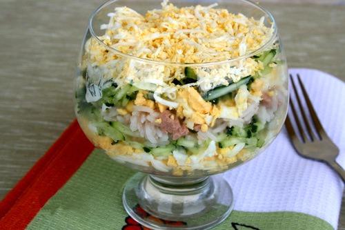 sloenyj-salat-s-pechenyu-treski-i-risom (500x333, 55Kb)