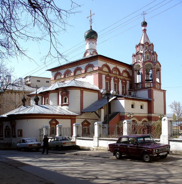 Wiki_Khitrovka_Market,_Church_in_Khitrovsky_Lane,_Moscow,_Russia (691x700, 190Kb)