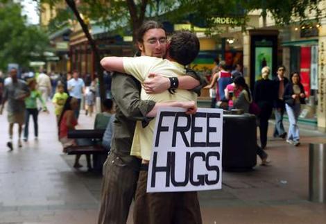 free_hugs (470x323, 27Kb)