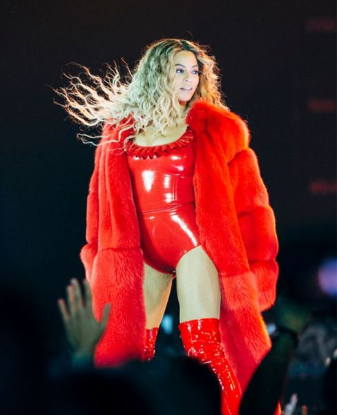 beyonce-toronto-open-26may16 (488x601, 44Kb)