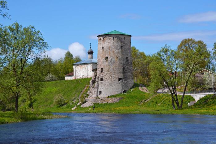 Гремячая башня (700x466, 450Kb)