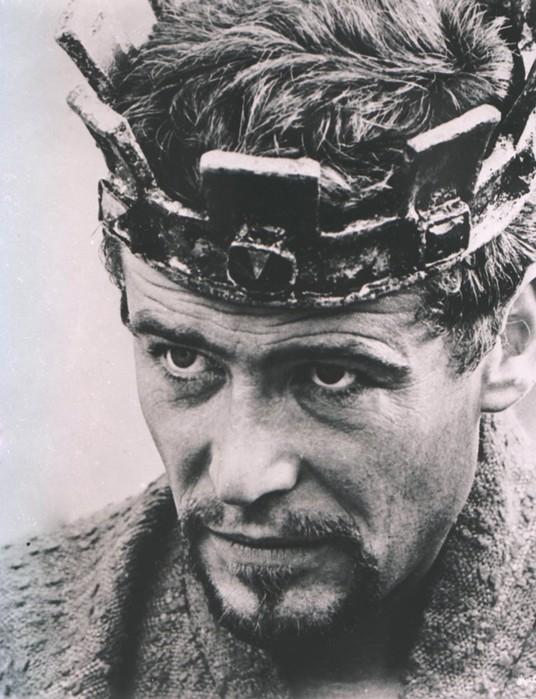 10 актеров, которые играли одну роль в разных фильмах