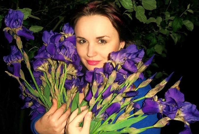 5227673_ukrainskayapoetessairinasamarina (700x472, 254Kb)