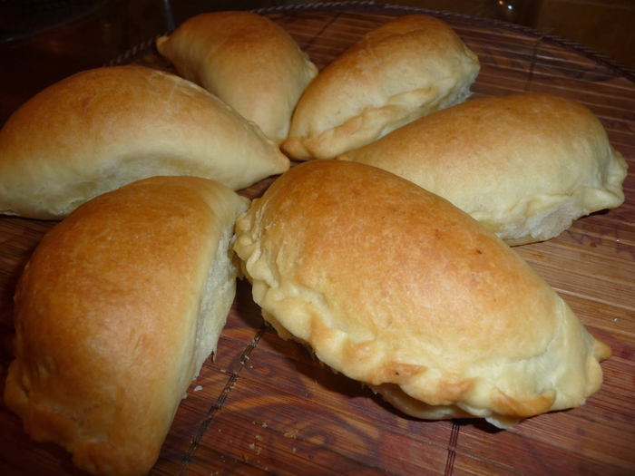 пирожки с косичкой из хрущевского теста (700x525, 361Kb)