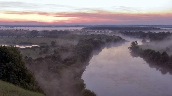 Почему река Десна называется «правой», а не «левой»?